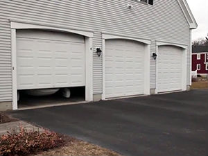 24/7 Emergency business garage door